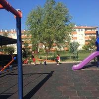 Photo taken at Aydınlar Sitesi Parkı by Hüsniye D. on 10/15/2017