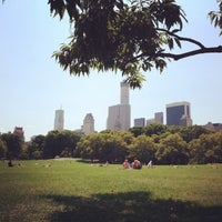 Photo taken at Sheep Meadow by Olivia B. on 8/10/2014