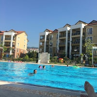 Photo taken at Mavi Yeşil Swimmingpool by Derya T. on 7/16/2016