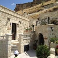 Photo taken at Kayakapi Premium Caves - Cappadocia by Nilaaay on 8/13/2013