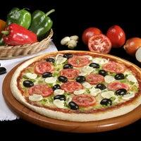 Foto tirada no(a) Mister Pizza por Eduardo A. em 7/30/2013