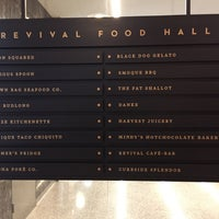 Foto scattata a Revival Food Hall da Kris L. il 8/9/2017