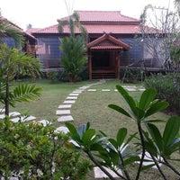 Photo taken at Exclusive Thai House by Prachayapol S. on 7/20/2013