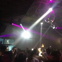 Foto tomada en Dance Floor por Torinorey 🔱 el 7/5/2015