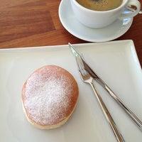 9/12/2013 tarihinde Maik .ziyaretçi tarafından Anka Coffee and Bakery'de çekilen fotoğraf