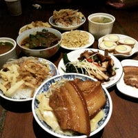 Photo taken at 金澤魯肉飯 by Janice C. on 10/25/2015