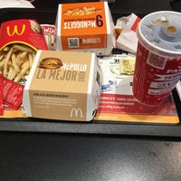 Photo taken at McDonald's by Alfonso C. on 12/15/2015