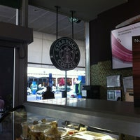 Photo taken at Starbucks by Alfonso C. on 7/7/2013