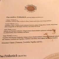 Das Foto wurde bei Café Altschwabing von Duygu E. am 10/3/2017 aufgenommen