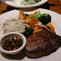 7/28/2013にhinaringがOutback Steakhouse 池袋店で撮った写真