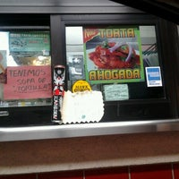 Photo taken at Tom's #1 World Famous Chiliburgers by Kimba M. on 12/4/2012