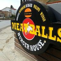 11/24/2013 tarihinde Cengiz Ç.ziyaretçi tarafından Meatballs Burger House'de çekilen fotoğraf