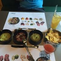 Снимок сделан в The Burger Mexico пользователем Ann Y. 8/16/2015