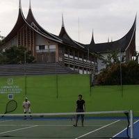 Photo taken at Kantor Gubernur Sumatera Barat by Punya R. on 12/31/2013