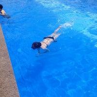 Photo taken at Hamilton Hotel Swimming Pool by jisue H. on 8/14/2013