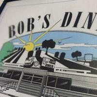 Das Foto wurde bei Bob's Diner von Andrew am 2/24/2013 aufgenommen