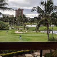 Photo taken at Honolulu Country Club by Yasuo O. on 12/9/2017
