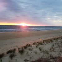 Photo taken at Ocean View beach @ Pinewell by Roy N. on 4/18/2018