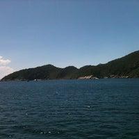 Foto tirada no(a) Ilha do Arvoredo por Raphael O. em 3/6/2014