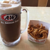Photo taken at A&W by ㅤ on 12/11/2016
