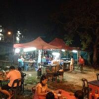 Photo taken at Roti Terbang by Kelvin K. on 11/6/2013