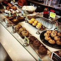 Das Foto wurde bei Flour Bakery + Cafe von Matthew G. am 2/26/2013 aufgenommen
