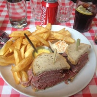 Photo taken at Schwartz's Deli by Mohammed B. on 6/23/2013
