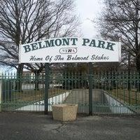 Das Foto wurde bei Belmont Park Racetrack von Amy L. am 2/24/2013 aufgenommen