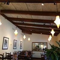Photo taken at Olive Garden by Doris C. on 11/17/2014