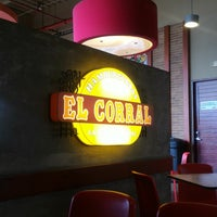 Photo taken at Hamburguesas El Corral by Andres S. on 7/31/2017
