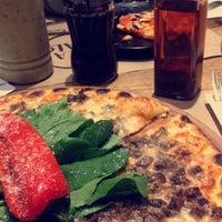 1/13/2017 tarihinde Mustafa A.ziyaretçi tarafından Pizza Locale'de çekilen fotoğraf