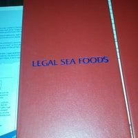 Photo taken at Legal Sea Foods - Huntington by Patrick H. on 9/15/2013