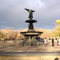 Photo prise au Bethesda Fountain par Rebecca B. le11/24/2012