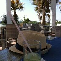 10/31/2013 tarihinde Маргаритаziyaretçi tarafından Q Premium Beach 'de çekilen fotoğraf