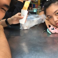 Photo taken at เต้าทึง หวานเย็น | ร้านป้าใจดี ข้างอยว. by Rung on 7/27/2017