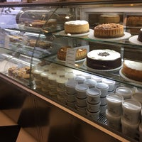 Photo taken at Melo Cheesecakes & Cookies by Birol P. on 11/28/2016