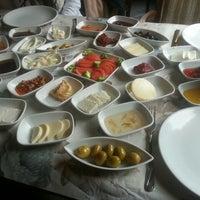 11/8/2015에 şeyma b.님이 Cemil Piknik - Meşhur Abant Kahvaltıcısı에서 찍은 사진