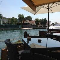 7/25/2013 tarihinde Deniz S.ziyaretçi tarafından Göksu Cafe & Restaurant'de çekilen fotoğraf