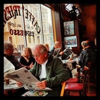 Das Foto wurde bei Caffe Trieste von Torrey N. am 7/12/2013 aufgenommen