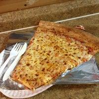 Foto diambil di Jumbo Slice Pizza oleh Steve B. pada 4/8/2013