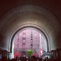 Foto tomada en Flea Food Under the Archway  por David S. el 7/12/2013