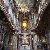 Das Foto wurde bei Asamkirche (St. Johann Nepomuk) von Joseph P. am 2/1/2014 aufgenommen