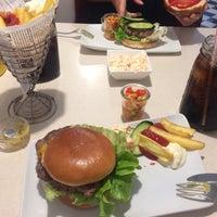 Das Foto wurde bei Jones - K's Original American Diner von Christian H. am 6/27/2017 aufgenommen