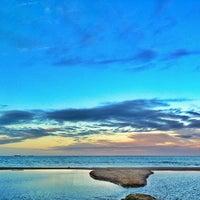 Foto tirada no(a) Praia Brava por Valerio V. em 7/25/2013