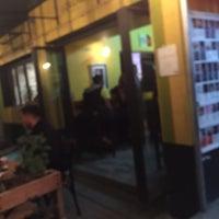 Foto tomada en Lorenzo / Café. Bar. por Ulises R. el 4/13/2018