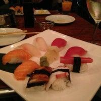 Foto tomada en Sushi Maki Coral Gables por Brian B. el 4/1/2013