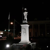 Photo taken at Downtown Hot Springs, AR by Essej T. on 10/17/2014