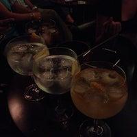 Foto tomada en Capote cocktail.bar por Penélope C. el 7/27/2013