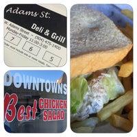 รูปภาพถ่ายที่ Adam's Street Deli & Grill โดย Michael M. เมื่อ 10/22/2014