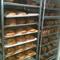 Das Foto wurde bei SanRemo Bakery von Nicholas am 10/27/2012 aufgenommen